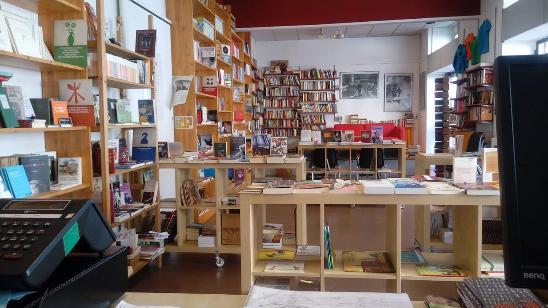 Libreria Les Mots