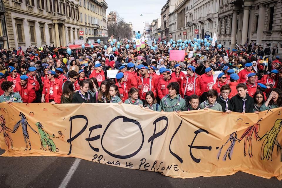 200.000 persone alla manifestazione antirazzista di Milano
